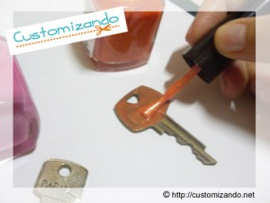 customizacao-chave-com-esmalte2