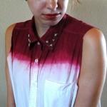 Camisa dip dye com tachas na gola