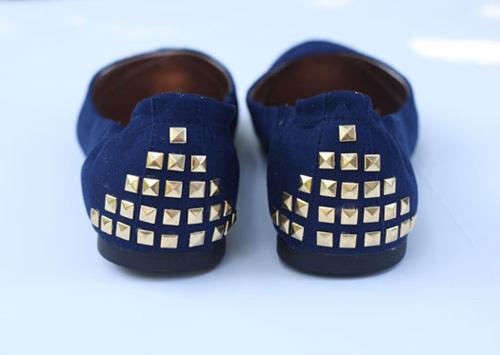 customizando sapatilha com studs