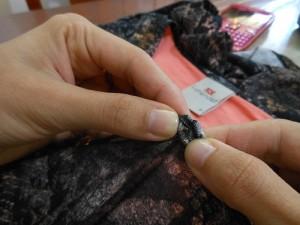 customização blusinha Lunender com tachinhas