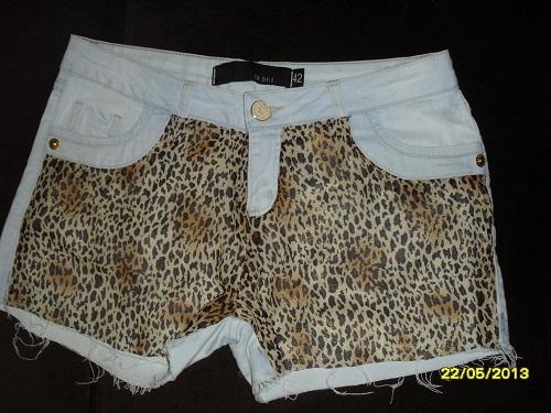 short branco customizado com tecido de oncinha