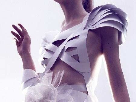 Roupas de papel - por Ariane Moraes