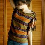 Customização de camiseta com franjas nas mangas