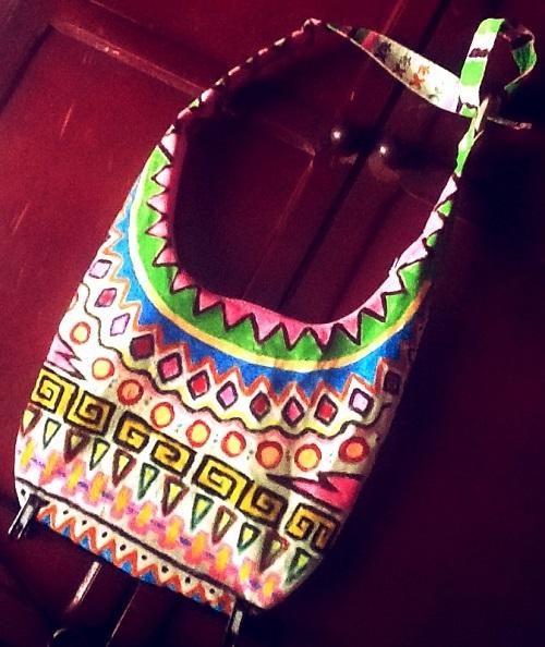 customização de bolsa com estampa étnica