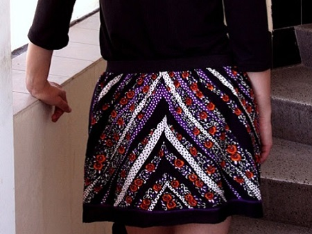 mini saia feita com lenço estampado