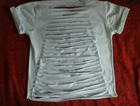 camiseta customizada nas costas
