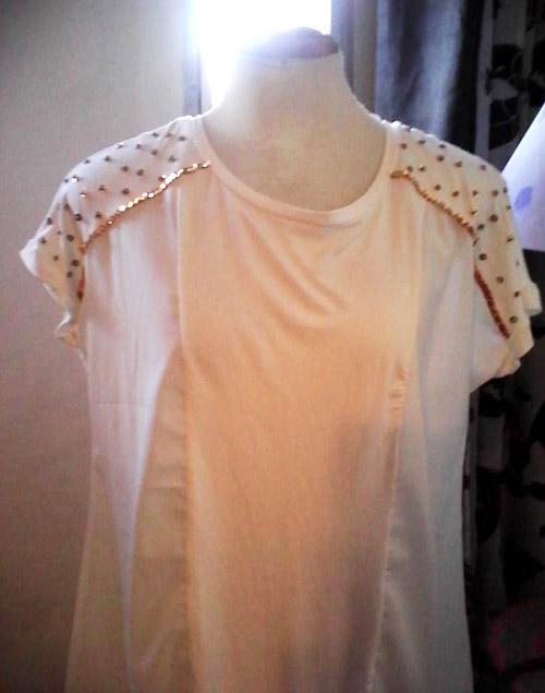 e3679f19df6 Blusa branca customizada com lantejoula dourada | CUSTOMIZANDO.NET ...