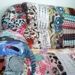 Sofá customizado com retalhos