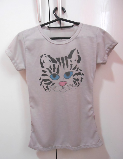 DIY - Customizando camiseta com estampa de gatinho