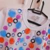 Como customizar camiseta com carimbos improvisados