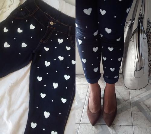 Como customizar calça jeans com coração e poá