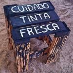 Como customizar um banco de madeira de um jeito divertido