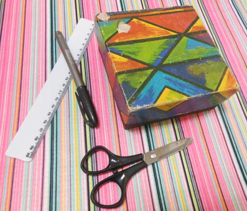 Customizando caixinha com feltro adesivo