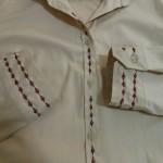 Customização de camisa com bordado