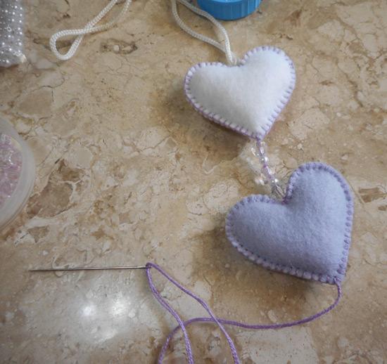 Penduricalho de coração - artesanato com feltro