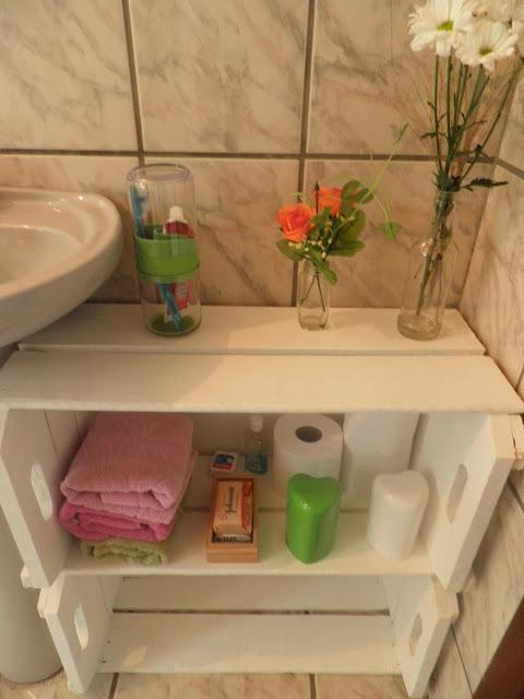 Decoração de banheiro com caixotes  Customizando  Blog de customização de r -> Banheiro Decorado Com Caixote De Feira