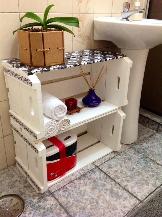 Decoração de banheiro com caixotes  Customizando  Blog de customização de r -> Armario De Banheiro Artesanal