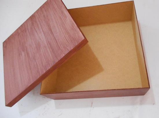 como-fazer-caixa-madeira-marchetaria-customizando-diy-4