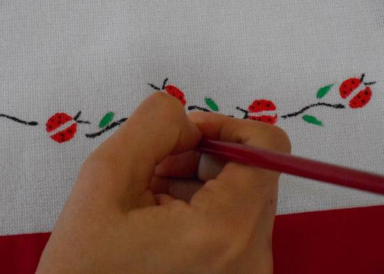 como-pintar-joaninha-artesanato-diy-8