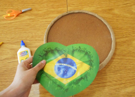 customizando-lata-decorativa-barril-massa-corrida-diy-4