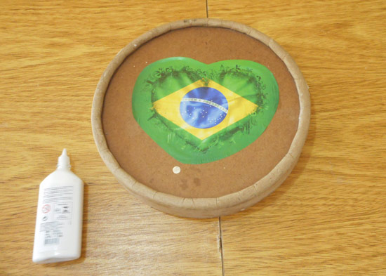 customizando-lata-decorativa-barril-massa-corrida-diy-5