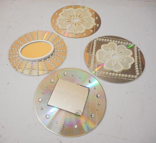 Como fazer enfeite com cds e dvds velhos