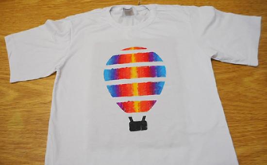 como-customizar-camiseta-pintura-balo-estencil-diy-12