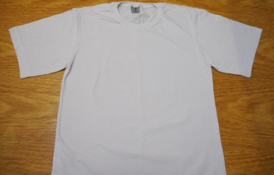 como-customizar-camiseta-pintura-balo-estencil-diy