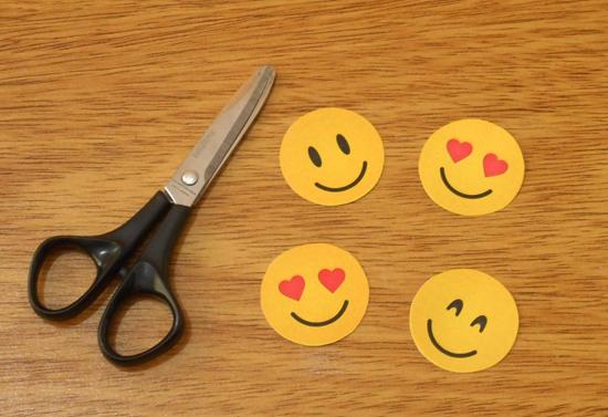 Como fazer chaveiro de emoji