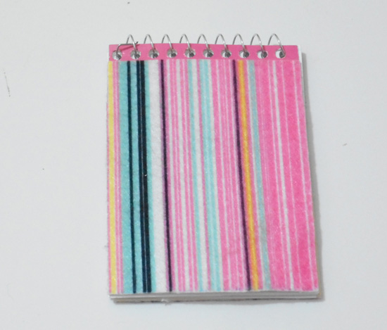 Customizando bloquinho e lápis