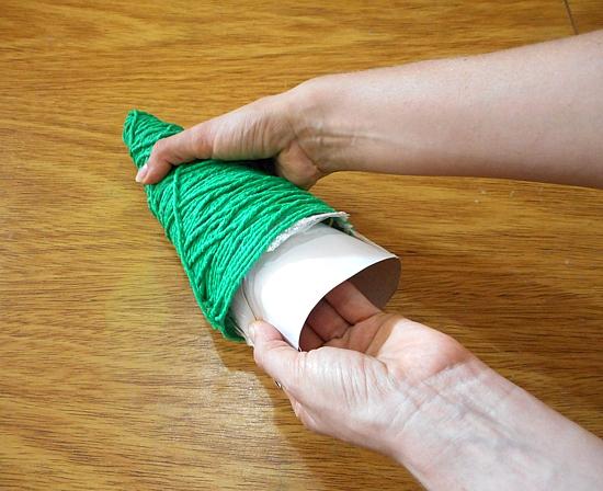 Como fazer árvore de Natal de barbante