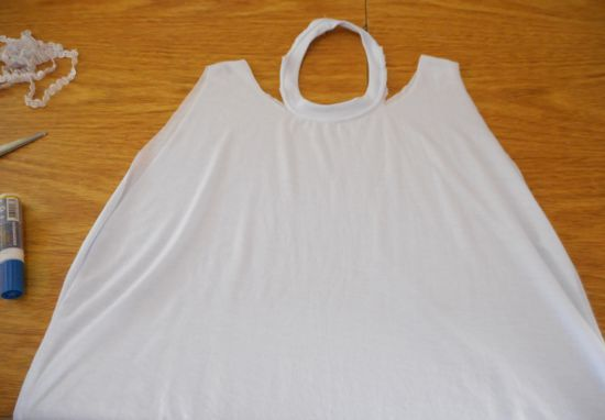 Como transformar camiseta em vestido para o ano novo