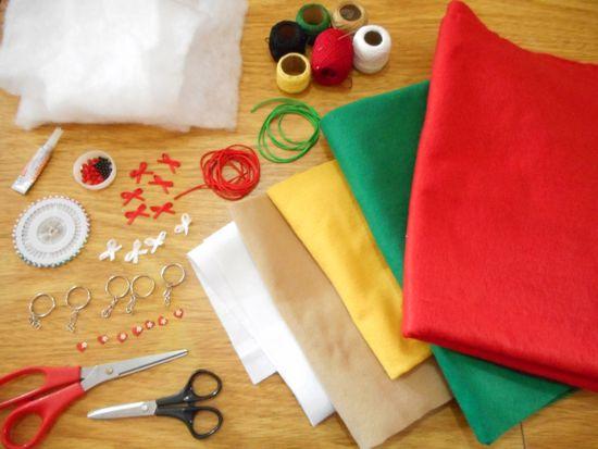 Como fazer chaveiros/enfeites natalinos de feltro
