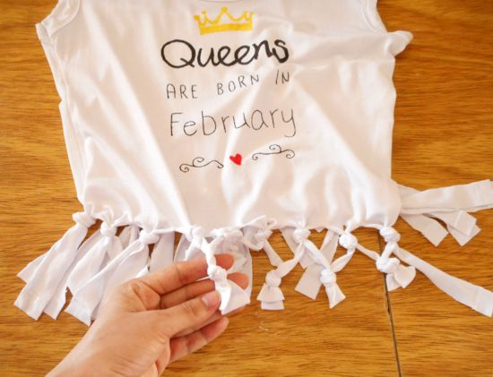 Como fazer customização de camiseta - estampa e amarração