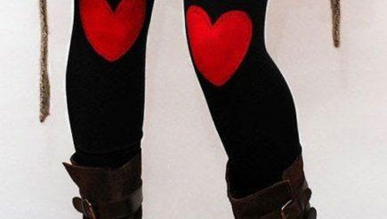 Roupas com aplicações de corações