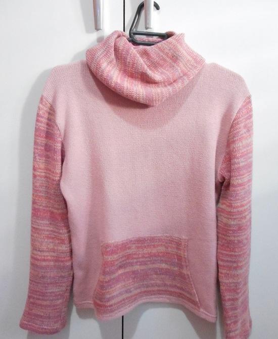 7beeb9411e Como cortar blusa de tricô (lã) para transformar em casaquinho ...