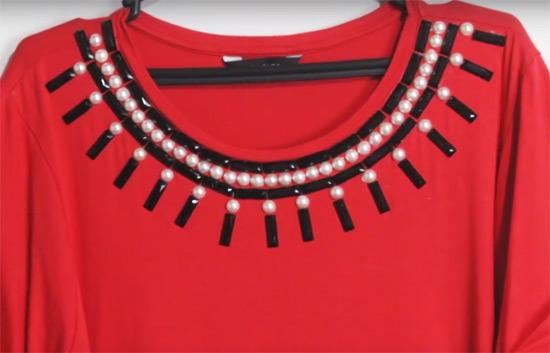 Como customizar blusa de tecido fino e de malha com pérolas e pedrarias