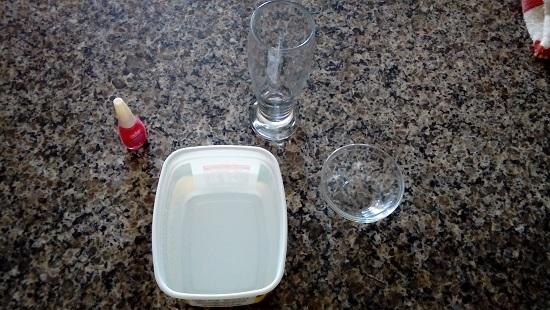 Customizando utensílios de cozinha com esmalte