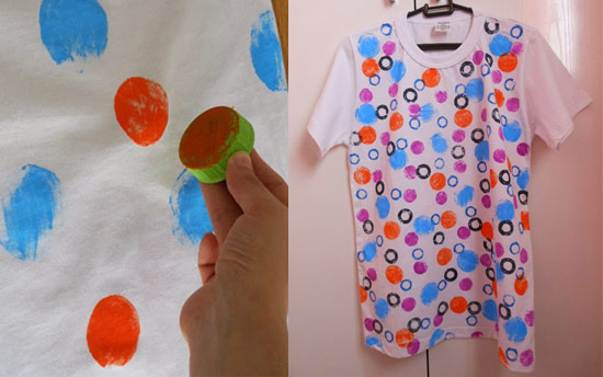 como customizar camiseta com carimbos