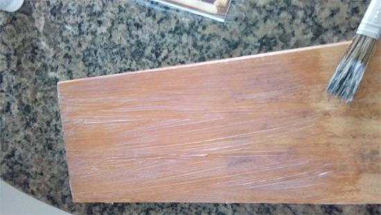 Como transferir imagens para madeira