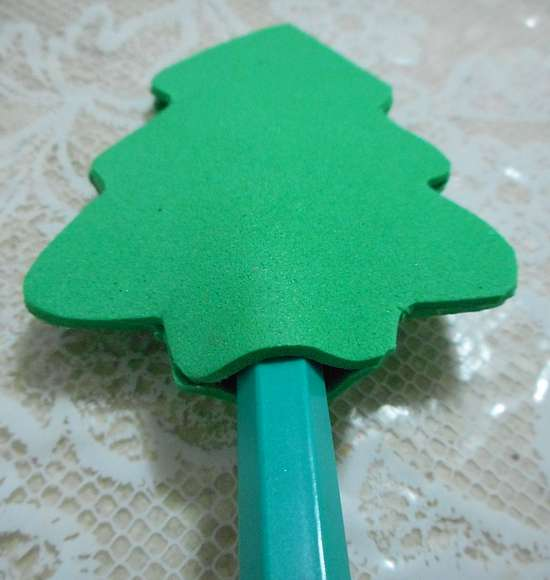 lembrancinha natal como fazer diy lapis arvore artesanato eva customizando 5 Lembrancinha de Natal: lápis com árvore de EVA