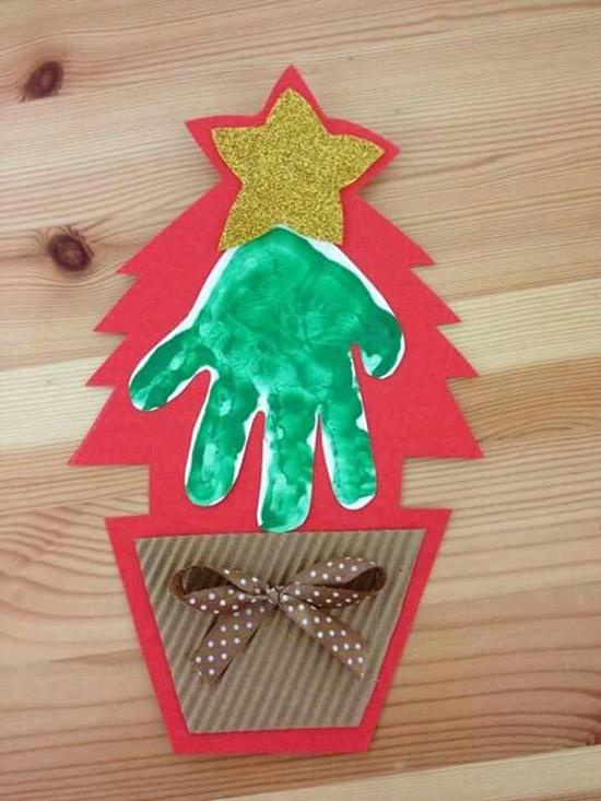 Atividades de natal para educação infantil - árvore de natal pintura de mão