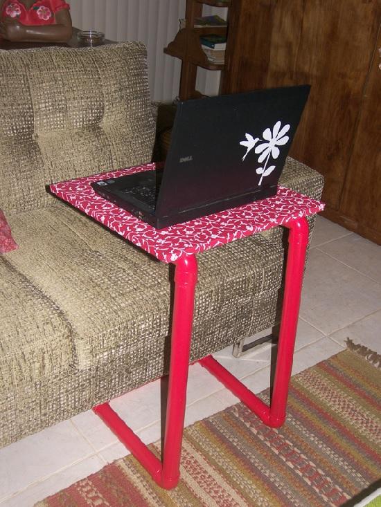 Mesa de apoio feita com cano de pvc
