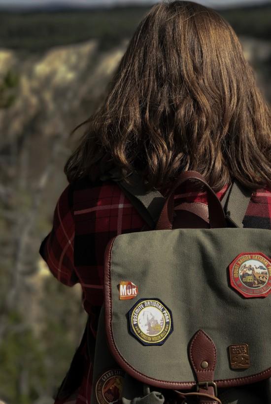 Ideias de patches para personalizar seu jeans - mochila com patches