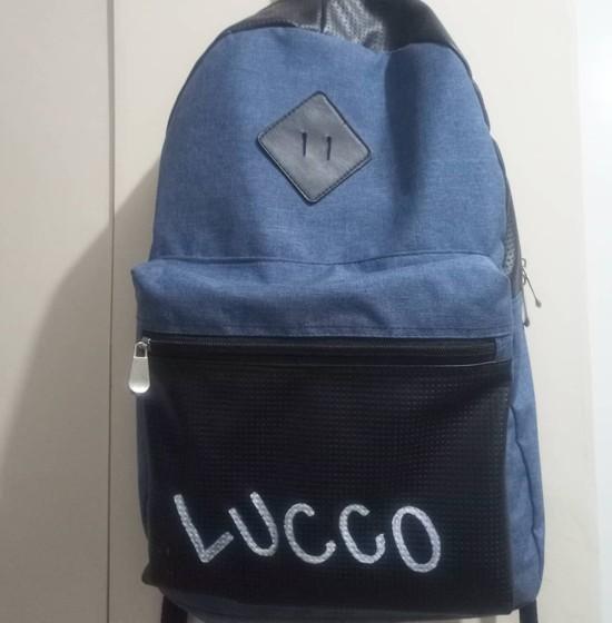 Customização de mochila com nome