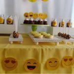 Como fazer decoração de festa emoji
