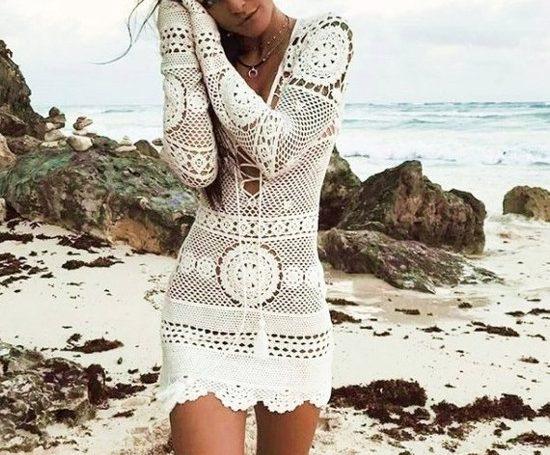 Vestido branco de crochê