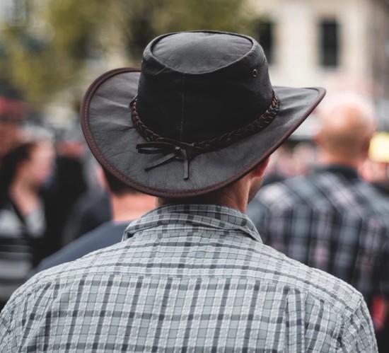 Chapéu de couro masculino