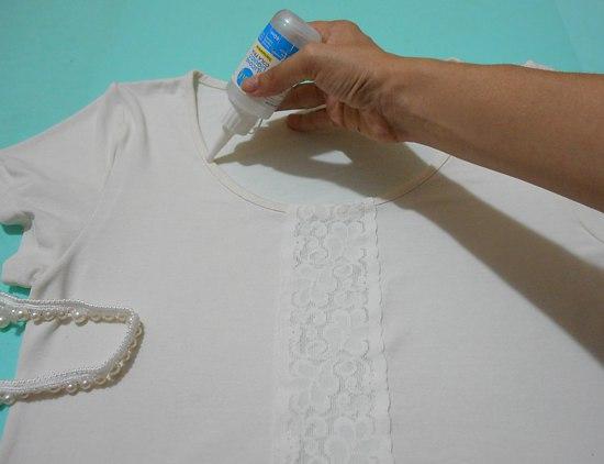 Customização de camiseta ou blusinha com renda