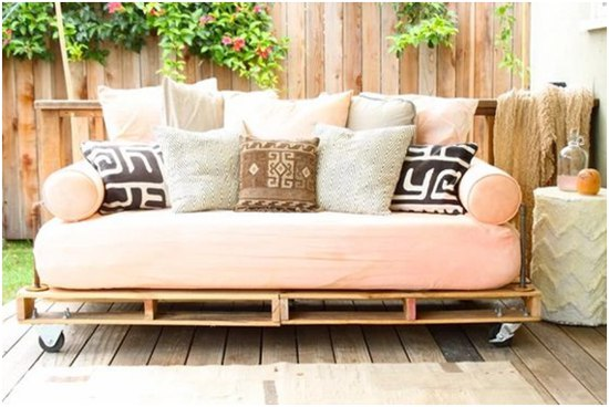 sofá de pallets - dicas de decoração